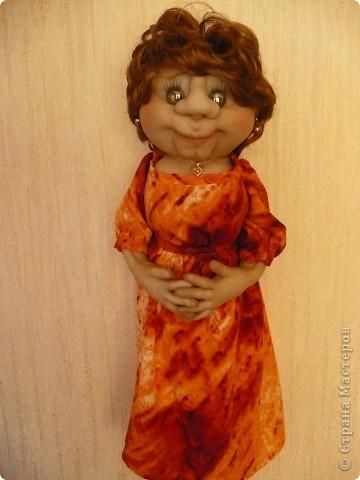 """Вот такая очередная пакетница родилась. Была сделана  по просьбе  коллеги, как подарок ко дню рождения знакомого. Вообщем кукла получилась маленькой копией заказчицы. Даже  один наш общий знакомый, увидев куклу сказал : """" О, Наталья Михайловна"""" Она сначала даже  обиделась фото 3"""