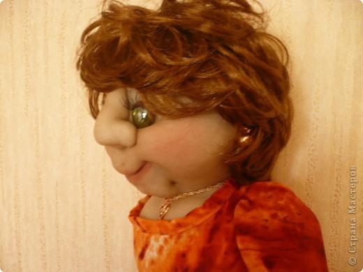 """Вот такая очередная пакетница родилась. Была сделана  по просьбе  коллеги, как подарок ко дню рождения знакомого. Вообщем кукла получилась маленькой копией заказчицы. Даже  один наш общий знакомый, увидев куклу сказал : """" О, Наталья Михайловна"""" Она сначала даже  обиделась фото 4"""