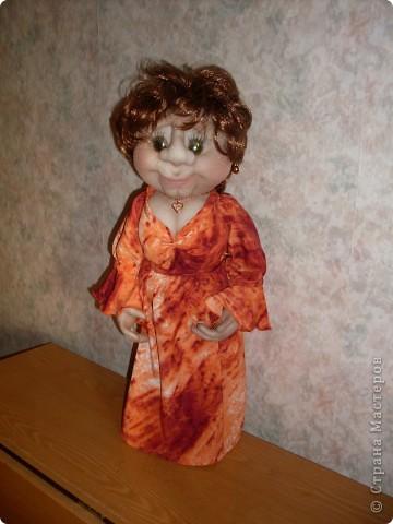 """Вот такая очередная пакетница родилась. Была сделана  по просьбе  коллеги, как подарок ко дню рождения знакомого. Вообщем кукла получилась маленькой копией заказчицы. Даже  один наш общий знакомый, увидев куклу сказал : """" О, Наталья Михайловна"""" Она сначала даже  обиделась фото 5"""