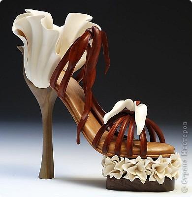 Сегодня обновки,  которые у меня совсем состарились и запылились. Я очень люблю стильную красивую обувь. 8 апреля ИлонаZZz  представила нам чудесную работу http://stranamasterov.ru/files/imagecache/thumb/i2011/04/09/003.jpg , а я уже давно хотела сделать туфельки и картиночка у меня была, вот два обстоятельства, которые натолкнули меня на создание этой работы. Илоне отдельная моя благодарность фото 8