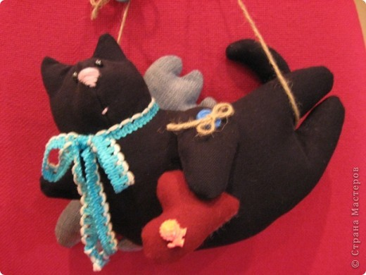 И снова-здравствуйте!!!! Хочу показать вам ещё один подарок для психолога Светланы.  Её талисман-чёрный кот. Вот по этому мой мягкий дружок такой чёрненький :))) фото 1