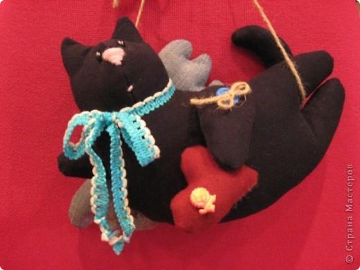 И снова-здравствуйте!!!! Хочу показать вам ещё один подарок для психолога Светланы.  Её талисман-чёрный кот. Вот по этому мой мягкий дружок такой чёрненький :))) фото 7