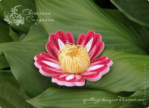 Квиллинговый цветок