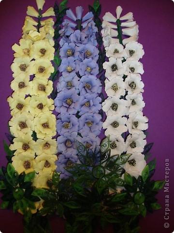 Подобный букет дельфиниумов и МК по изготовлению цветов я увидела в свое время у Princessa Moskva.(За что ей огромное спасибо. Просто гениальный способ изготовления цветов!!!!). Этот букет я сделала себе на День рождения. Через неделю будет готова рамка ,заказанная в багетной мастерской и цветы будут жить  под стеклом.  фото 2