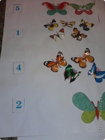 Нашлась бесхозная разрезная азбука - в результате - таблички по которым путешествуют различные зверушки - они находят буковки, цифры... фото 5