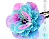 Уважаемые мастера - изготовители канзаши, может кто-нибудь подсказать, каким образом складываются лепестки у данного цветка? фото 4
