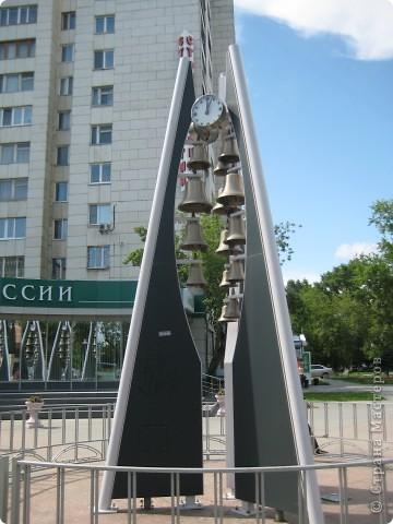Я обещала вам прогулку по Александровскому саду. Эти цветущие лебеди находятся как раз перед ним. фото 51