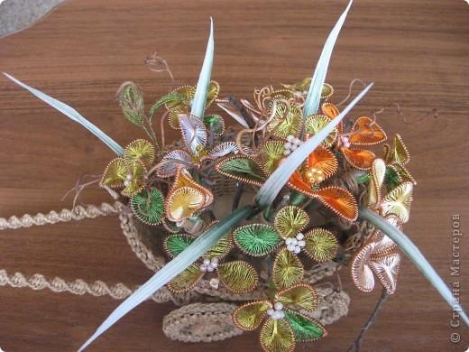 В плетеную тележку я добавила цветы. И вот, что получилось. фото 2