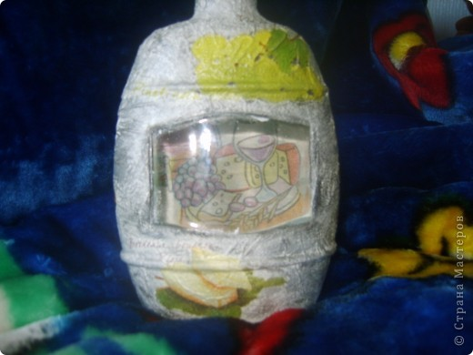моя первая бутылка с обратным декупажем фото 5