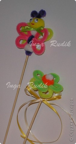 Пополняю коллекцию своих поделок из цветных проволочек. Вот такие бабочка и цветочек были сделаны дя декора цветочного горшочка. фото 1