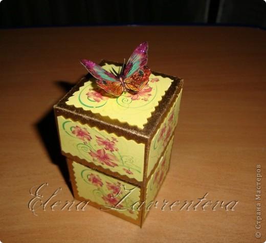 Эту коробочку я сделала для свадьбы,что бы положить туда деньги,не в конверт как принято,а именно в такую красивую коробочку. Она сделана по МК Элен из Лондона. фото 1