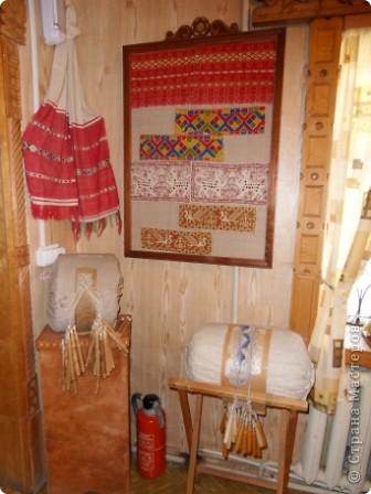 """Этот зал называется """"Ткани"""". Здесь мы нашли народные куклы Калужской области. фото 16"""
