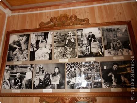 """Этот зал называется """"Ткани"""". Здесь мы нашли народные куклы Калужской области. фото 17"""