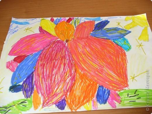 Этот цветок я нарисовала в подарок своей сестре Яне (в Стране Мастеров под именем YAZ - http://stranamasterov.ru/user/60650)