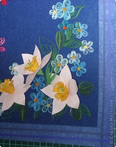 цветочки выполнила давно, а собрала в композицию только вчера. Работой в общем давольна. фото 2