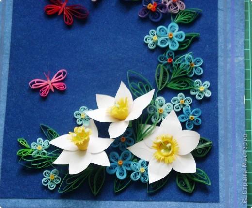 цветочки выполнила давно, а собрала в композицию только вчера. Работой в общем давольна. фото 3