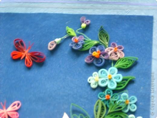 цветочки выполнила давно, а собрала в композицию только вчера. Работой в общем давольна. фото 4