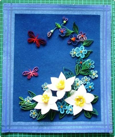 цветочки выполнила давно, а собрала в композицию только вчера. Работой в общем давольна. фото 1