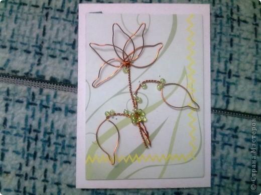 Крутила - крутила проволочку в руках, и накрутила на целую серию! Цветы из проволоки выглядят очень интересно. фото 4