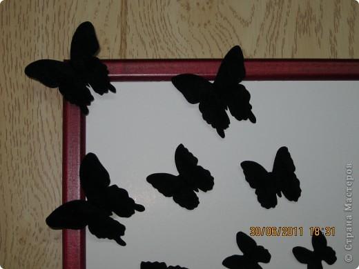 Это пано сделала для своей сестренки, любительницы кошек! Ее кошечка любит играть с бабочками...бабочки объемные и бархатной бумаги...Думаю я ее обрадую! Идея полностью моя, если нужно будет, разъясню как и что я делала!  фото 3
