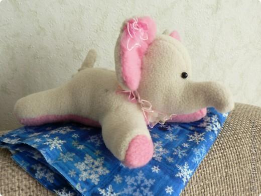 Это слоняшка - малышка ЛУ-ЛУ  Только  появилась на свет, но как все девчонки кокетлива и любопытна.... и пахнет мятой, как свежий ветерок.. фото 2