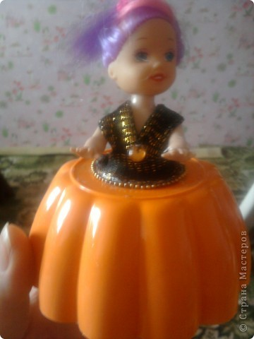 На изготовление моей шкатулки меня сподвигла ~ Ксения 2010 своим Мк по барышне-шкатулке вот ссылка на её МК http://stranamasterov.ru/node/208355?tid=451 фото 14