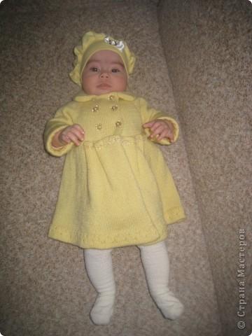 Пальто на девочку 3-12 месяцев. Низ и рукава можно удлинить по возрасту. Пуговицы перешить, сделав пальто шире. фото 1