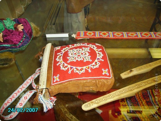 БИСЕРНЫЕ РОССЫПИ КОЛЬСКОГО СЕВЕРА  Саамская вышивка бисером   фото 9