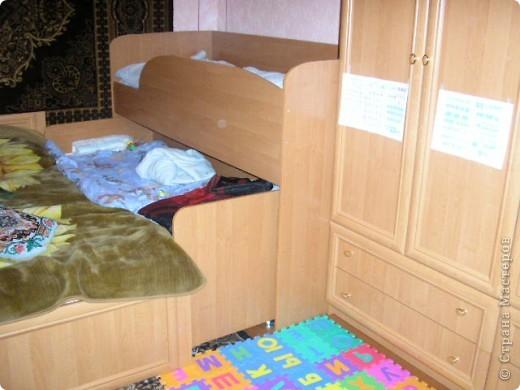 Вот такую кровать сделал мой муж. Мне она очень нравится да и сынуля тоже рад потому как мечтал о двух-ярусной кровати.  фото 3
