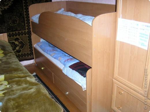 Вот такую кровать сделал мой муж. Мне она очень нравится да и сынуля тоже рад потому как мечтал о двух-ярусной кровати.  фото 1