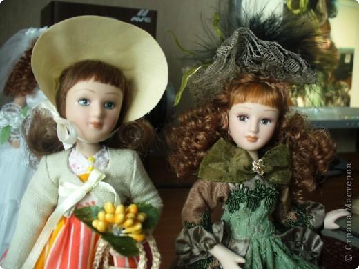 Дама в зеленом. Эту куколку мне выслали из г. Братск. Кукла по формату такая же, как дамы эпохи, только у нее акриловые глазки и реснички.  фото 4