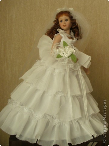 Дама в зеленом. Эту куколку мне выслали из г. Братск. Кукла по формату такая же, как дамы эпохи, только у нее акриловые глазки и реснички.  фото 8