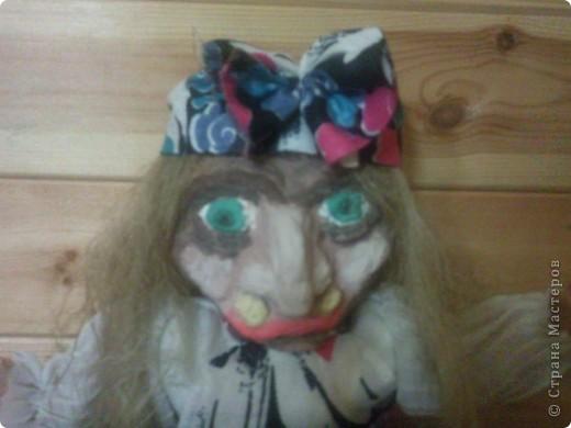 Баба-Яга собственной персоной) Гармошку для бабки сделал сын, я то хотела ей в руки метёлку дать, но не успела) фото 2