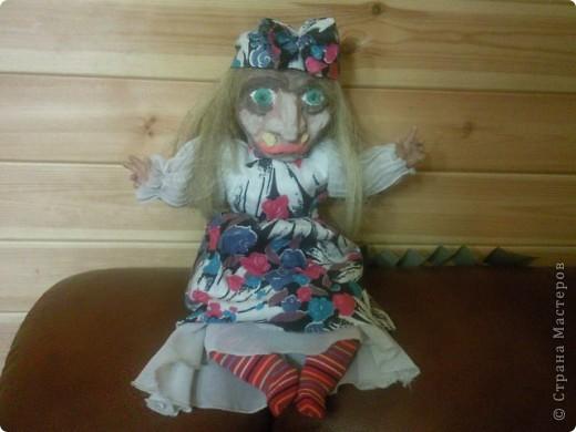 Баба-Яга собственной персоной) Гармошку для бабки сделал сын, я то хотела ей в руки метёлку дать, но не успела) фото 3