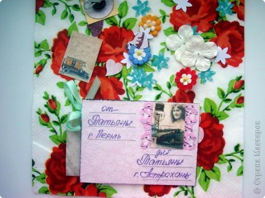 """Моя новая подарочная серия АТС """"Pin-up girl или девушки с обложки"""", давно хотела сделать карточки с этими красивыми девушками, в данной серии, в морском стиле!!! Возможно, будет и продолжение!!! Картинки распечатаны в типографии, цветочки готовые, в центре цветочков ракушки разных форм, выполнены на скрап бумаге!!!  Выбирают, если понравится: Ольга (helga-YAK), Юлечка (Yulia L), Катюша (Kateryna), Наташенька (na-ta-li), Татьяна Имполитова, Олечка (Захария), Алена (Алена Александровна) фото 14"""