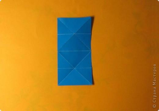 Привет! На днях крутила-крутила бумажку и само собой сложился модуль, похожий по принципу сборки на модули глобиков Т. Фусе. Представляю небольшой МК по сборке таких вот элегантных бантиков. В реале сиреневые бантики на фиолетовом фоне смотрятся намного симпатичнее.  Технические подробности: - 30 фиолетовых модулей, размер: 9,8 х 4,9 см - 30 сиреневых модулей, размер: 9,8 х 4,9 см в диаметре - 11 см  И еще - при сборке  я для прочности немного подклеивала модули. В ЖЖ предложили имя этой кусудаме - Valentine. Пожалуй так и оставим. Автор - Валентина Минаева (Valentina Minayeva) фото 11