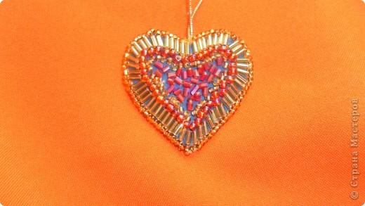 Моё сердечко=) Для этого сердечка понадобится:  Картон, ткань, тесьма, бисер, игла с ниткой)  фото 8