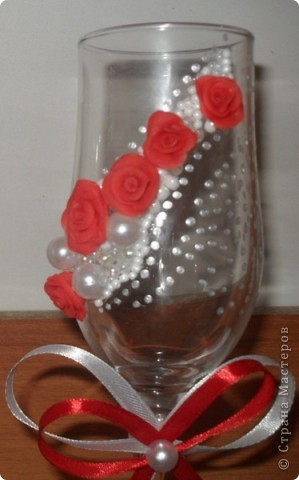 Первые мои бокальчики. Розы делала из игро-пластики. фото 2