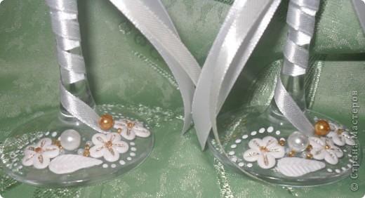 Первые мои бокальчики. Розы делала из игро-пластики. фото 4