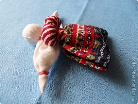 Корзинка или вазочка? здесь я сомневаюсь в названии... но когда появилось много куколок, захотелось из них сделать что-то интересное. Идей много. Будем теперь их реализовывать! Теперь у меня есть красивая корзинка для рукоделия. Да и подарок будет хороший для подруги-рукодельницы ( а также дочери, мамы и т.д.) фото 13