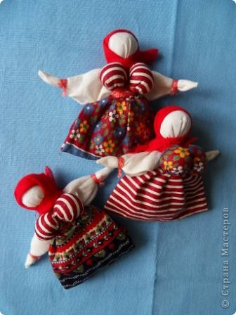 Корзинка или вазочка? здесь я сомневаюсь в названии... но когда появилось много куколок, захотелось из них сделать что-то интересное. Идей много. Будем теперь их реализовывать! Теперь у меня есть красивая корзинка для рукоделия. Да и подарок будет хороший для подруги-рукодельницы ( а также дочери, мамы и т.д.) фото 16