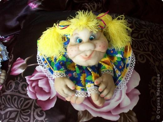 Сшила одну куколку по МК Елены http://stranamasterov.ru/user/40274, и увлеклась.  Вот такая неземная красота у меня родилась, учусь делать разные мордочки, занятие очень увлекательное. Так забавно наблюдать за тем какая мимика прорисовывается, ох, полюбились мне эти шкоды)))) фото 3