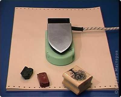 Есть специальный утюжок и цветной воск для энкаустики. Много разных приспособлений и литература. фото 1