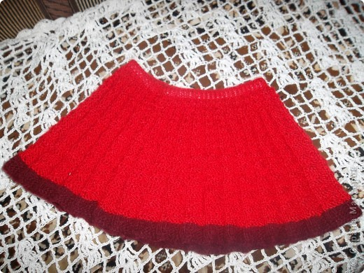 Дорогие мастерицы! Предлагаю очень простой и интересный способ для вязания пышных юбок. на поясе - двойная резинка. фото 1