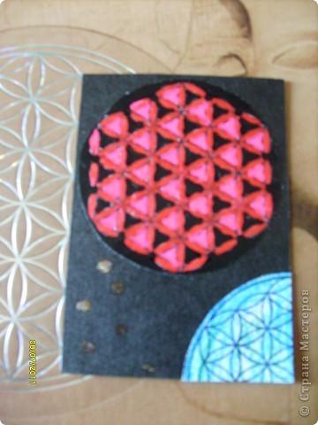 Цветок Жизни -это простой геометрический узор, заключающий в себе все тайны мироздания......... Друнвало Мельхиседек - физик по образованию, член эзотерического ордена Мельхиседеков , прошедший обучение у 70 духовных учителей самых разных традиций....  фото 18