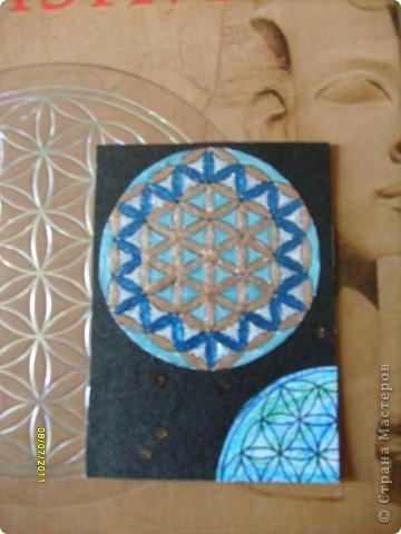 Цветок Жизни -это простой геометрический узор, заключающий в себе все тайны мироздания......... Друнвало Мельхиседек - физик по образованию, член эзотерического ордена Мельхиседеков , прошедший обучение у 70 духовных учителей самых разных традиций....  фото 19