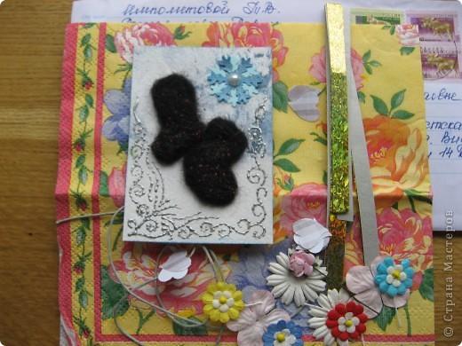 """Получила красивую салфеточку с мишками в подарок с карточкой АТС, не могла не приспособить её в дело. Такая детская серия  """" Мишки"""" у меня получилась. Но просто аппликация - это не интересно, добавила объёмных квиллинговых цветов. Первыми приглашаю к выбору своих многочисленных кредиторов (если понравится), всем остальным отвечу после них. фото 16"""