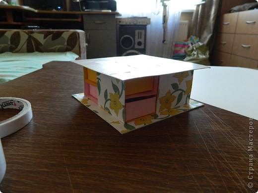 """Пункт 1. Я начала работу с изготовления выдвижных ящиков. А именно не с самой коробочки, а того куда она будет задвигаться (не знаю как это правильно называется, извините, буду назвать их """"держатели""""). На листе А3 отметила такие размеры (по ширине листа). фото 15"""