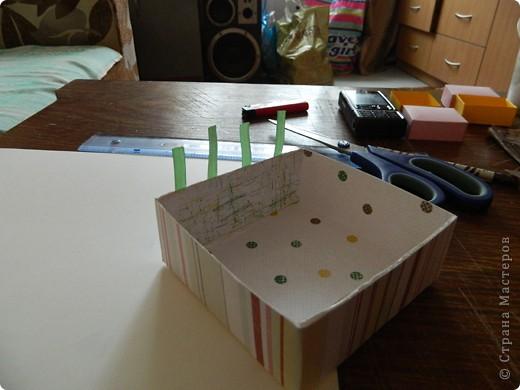 """Пункт 1. Я начала работу с изготовления выдвижных ящиков. А именно не с самой коробочки, а того куда она будет задвигаться (не знаю как это правильно называется, извините, буду назвать их """"держатели""""). На листе А3 отметила такие размеры (по ширине листа). фото 17"""