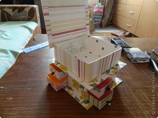 """Пункт 1. Я начала работу с изготовления выдвижных ящиков. А именно не с самой коробочки, а того куда она будет задвигаться (не знаю как это правильно называется, извините, буду назвать их """"держатели""""). На листе А3 отметила такие размеры (по ширине листа). фото 24"""